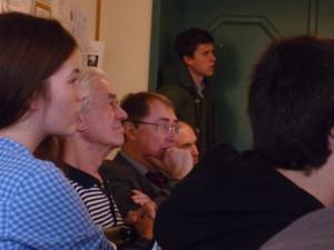StD a. D. Dr. Blum, OStD Orgeldinger und StR Huber während des Gespräches